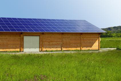 Toiture panneaux solaires agricoles